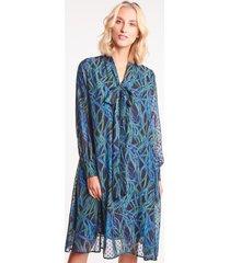 szyfonowa sukienka we wzory