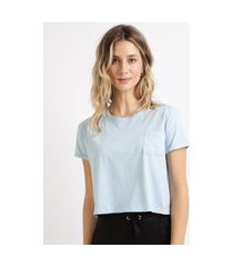 blusa feminina básica cropped com bolso manga curta decote redondo azul
