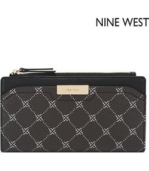 cartera nine west  kennedy slim zip organizer- negro