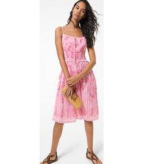 mk abito in batista di cotone con pieghe dettagli punto smock e motivo paisley - geranio (rosa) - michael kors