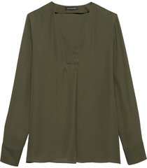 blusa pleat vee matte solids verde banana republic