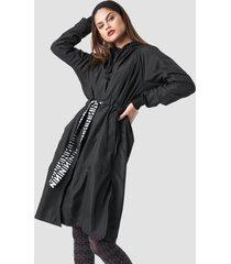 na-kd n branded belt jacket - black