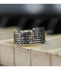 pierścionek nuty