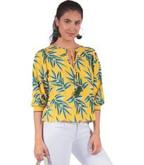 blusa adrissa estampacion hojas con tejido y pompones amarilla
