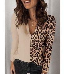 camicetta di formato plus con scollo a v patchwork stampa leopardata casual