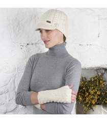 aran brooklyn peak hat & hand warmers cream