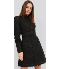 na-kd boho anglaise collar mini dress - black
