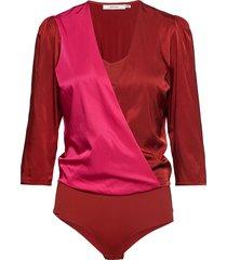 sylviagz body ao19 t-shirts & tops bodies roze gestuz