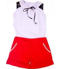 shorts liminha doce vermelho e blusa branca