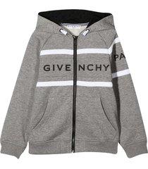 gray sweatshirt teen