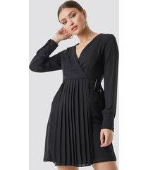 trendyol pleated front midi dress - black
