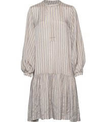 loga ls dress jurk knielengte crème second female