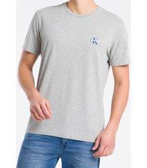 camiseta masculina logo no peito cinza mescla calvin klein jeans - pp