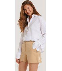 na-kd trend vida shorts - beige