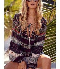 blusa con mangas de linterna con cuello en v y diseño tropical con cordones