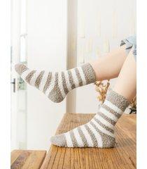 calcetines de rayas gruesas de lana coral