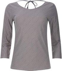 camiseta rayas diagonales color negro, talla 10