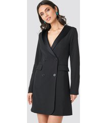 na-kd party satin collar blazer dress - black