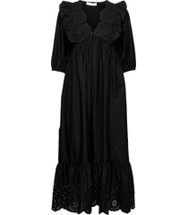 agata knälång klänning svart mango