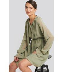 na-kd chiffon buttoned dress - green