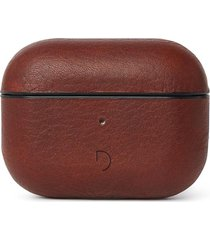 decoded airpods pro leather case - brown