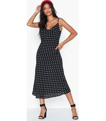 ax paris dotted v neck dress festklänningar