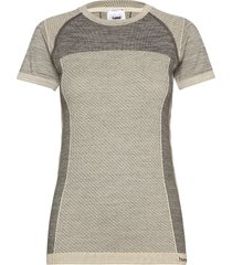 hmlclea seamless t-shirt t-shirts & tops short-sleeved grå hummel