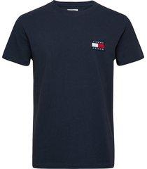 tjm tommy badge tee t-shirts short-sleeved blå tommy jeans