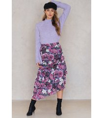 na-kd bottom frill satin midi skirt - multicolor