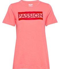 brooke w tee t-shirts & tops short-sleeved rosa 8848 altitude