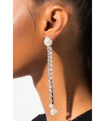 akira besos earring