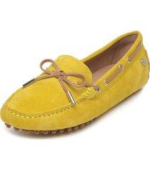 mocasín amarillo hush puppies