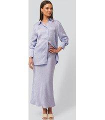 na-kd classic satin wrinkle skirt - purple