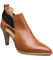 tuva shoes boots ankle boots ankle boots with heel brun nude of scandinavia