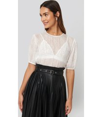 na-kd trend structured rose puff blouse - white