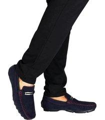 zapatos mocasines en microfibra outfit azul