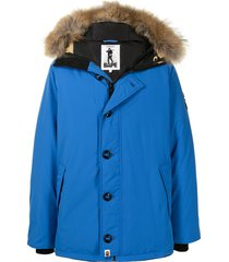 a bathing ape® trimmed-hood camouflage-panel padded jacket - blue