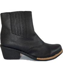 bota negra kataleya