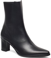 teddy nappa boot shoes boots ankle boots ankle boots with heel svart flattered