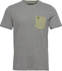 contrast pocket t shirt t-shirts short-sleeved grå lyle & scott