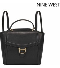 cartera nine west harper convertible backpack - negro