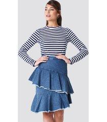 na-kd flounce denim skirt - blue