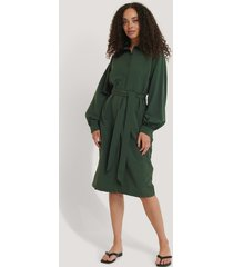 na-kd recycled skjortklänning med ballongärmar - green