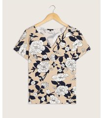 camiseta manga corta estampada escote v