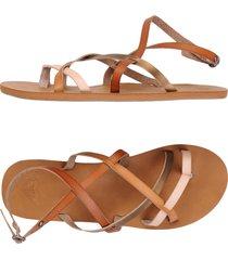 roxy toe strap sandals