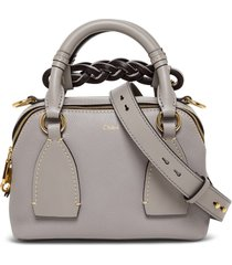 chloé gray leather daria handbag