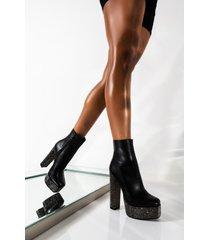 akira azalea wang bringing trouble to you chunky heel bootie in black