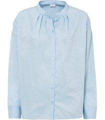 vacker oversized blus med lätt rynk.