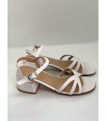 sandalia  blanca malvi