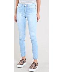 calça jeans feminina cigarrete azul claro